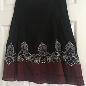 Ann Taylor petites embroidered skirt